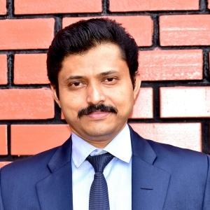 Dr Nagendra S